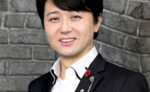 福本ヒデ氏